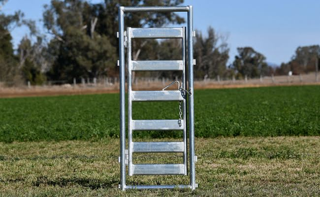 Super Heavy Duty Cattle Access Race Gate